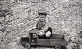 Vana mänguauto