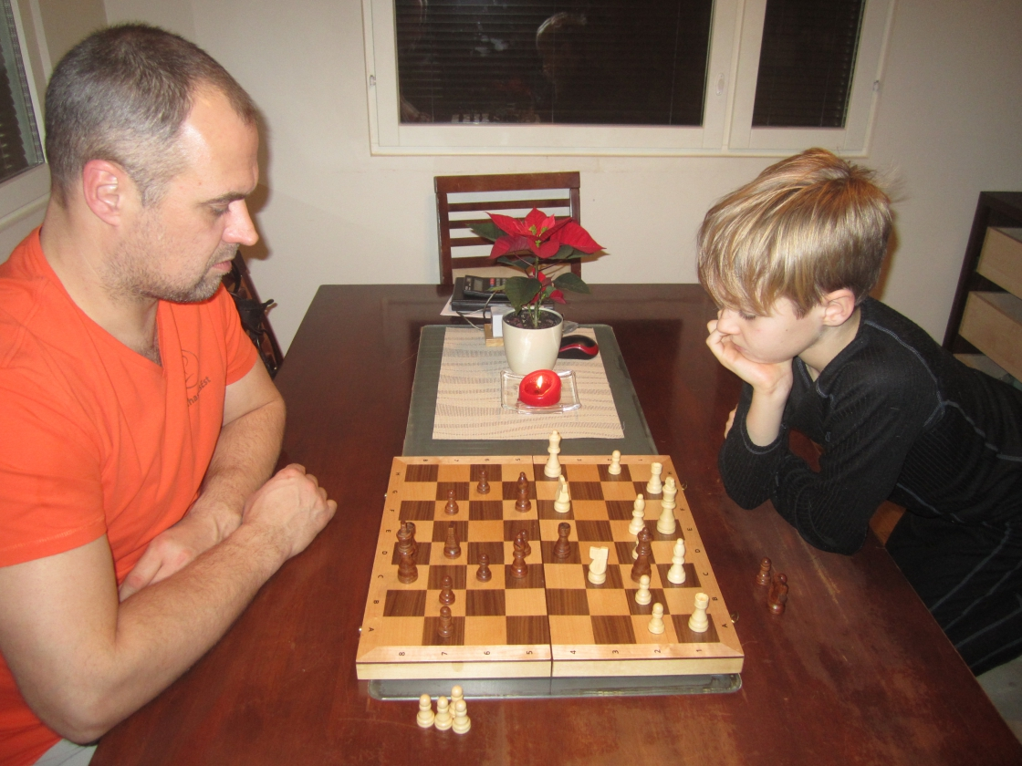 Malet mängivad Rasmus Talts (Jüri Gümnaasiumi 3.e klass) ja isa Tanel Talts