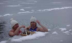 Jääkuningannad maletamas