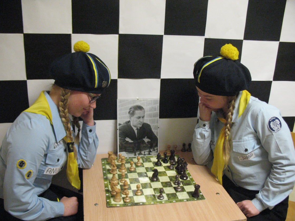 Kodutütarde sõbralik malemäng
