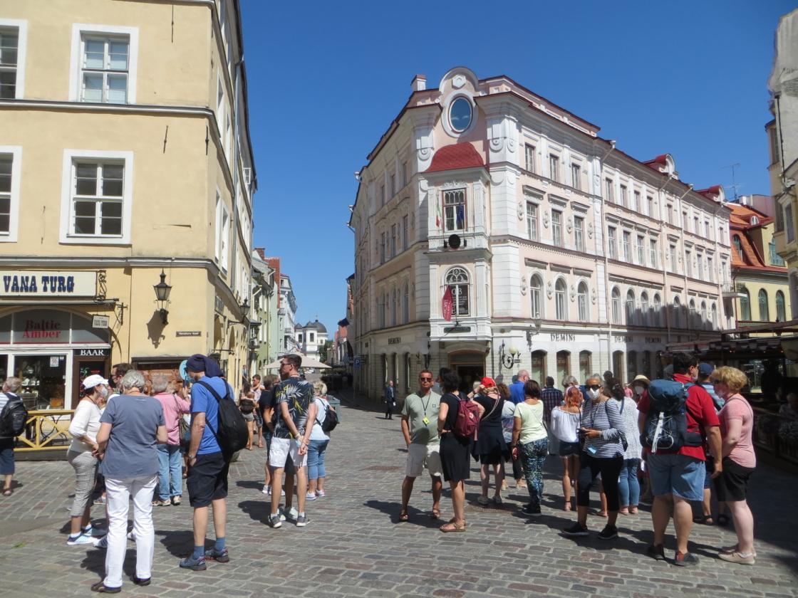 Esimesed kruiisituristid Tallinnas