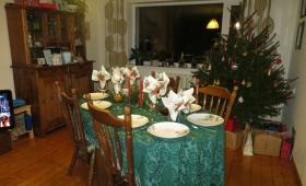 Jõuluehtes elutuba