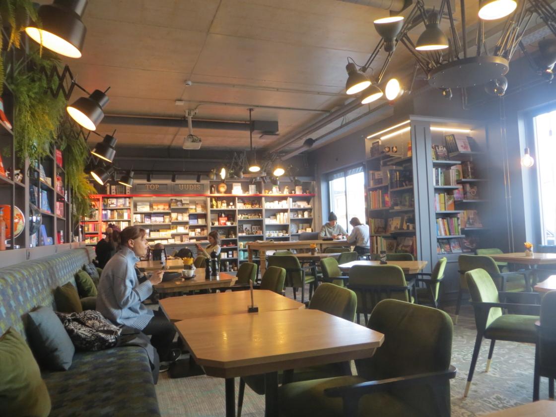 Restoran Literaat Telliskivi Rahva Raamatus