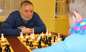 Kõo valla maleõpetaja Rein naudib tarka mängu