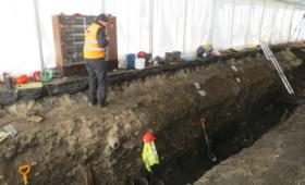 Arheoloogiliste kaevamiste telk Roosikrantsis