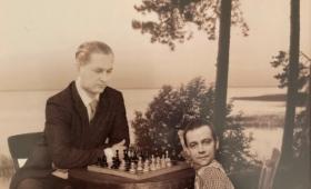 Paul Keres ja Illari Lään maletamas