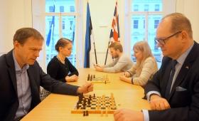 Malemäng Londoni Eesti saatkonnas